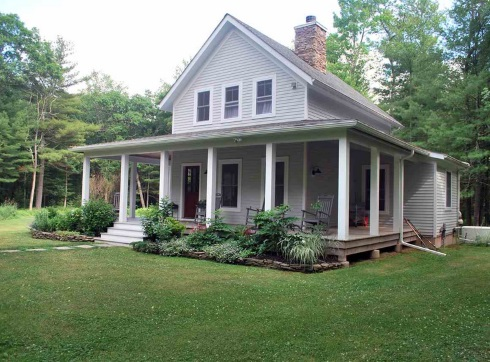 Small Cottage House Plans Farm Style Features!